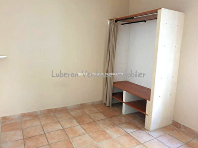 Appartement T2 Carpentras extra muros à vendre avec parking privatif 3/4